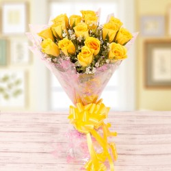 Alluring Yellow Roses