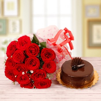 15 Red Roses with Half Kg Chocolate Cake