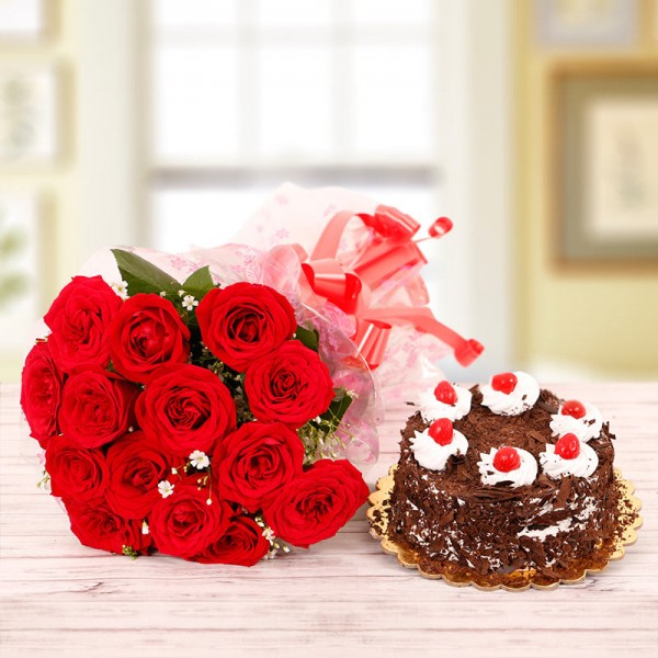 15 Red Roses Bouquet with Half Kg Black Forest Cake