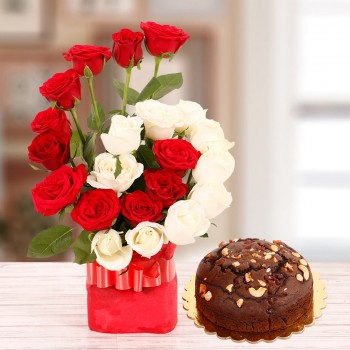 22 Roses(Red and White) in a Glass Vase with Half Kg Plum Cake