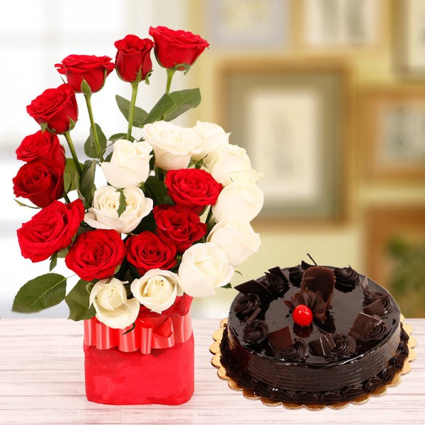 22 Roses( Red and White) in A Glass Vase with 1 Kg Chocolate Truffle Cake
