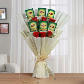 One Bouquet of 6 Red Roses and 6 Sachet of Lipton Green Tea with White Tissue Packing