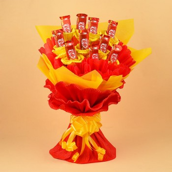Bouquet of 10 KitKat Chocolates red and yellow paper packing