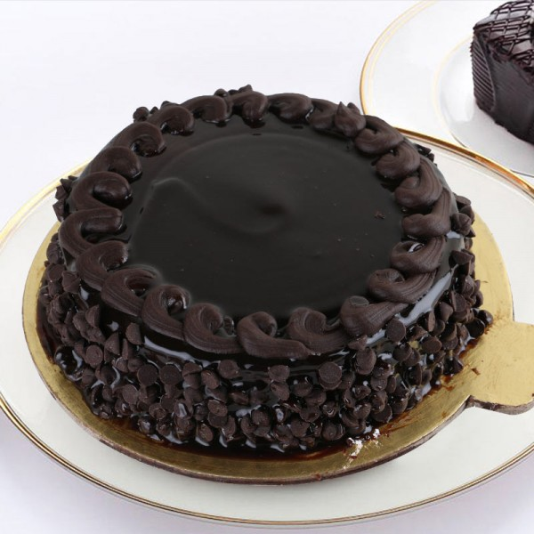 Half Kg Chocochip Truffle Cake