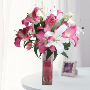 3 Pink Pink Oriental Lilies with 2 White Oriental Lilies in Square Glass Vase