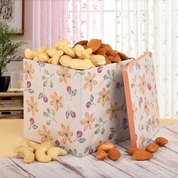 Tin Box of Cashew Nut and Almond
