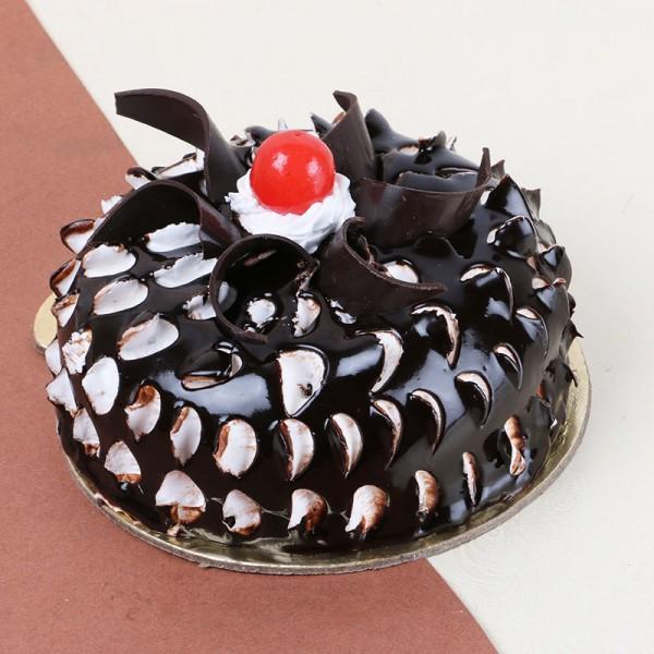 Half Kg Chocolate Eclair Cream Cake