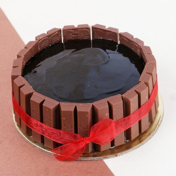 Half Kg KitKat Chocolate Cream Cake
