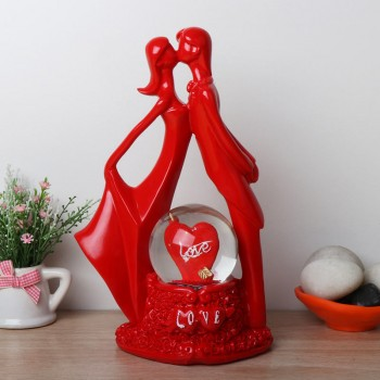 Kissing Red Couple Statue