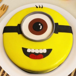 Cutest Minion Cake