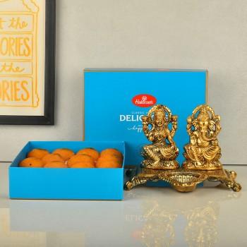 Metal Laxmi Ganesha with Motichoor Ladoo
