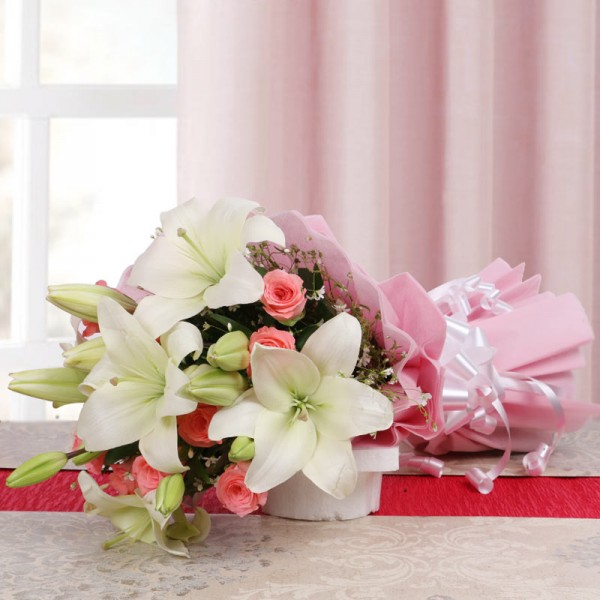 10 Pink Roses with 5 White Asiatic Lilies