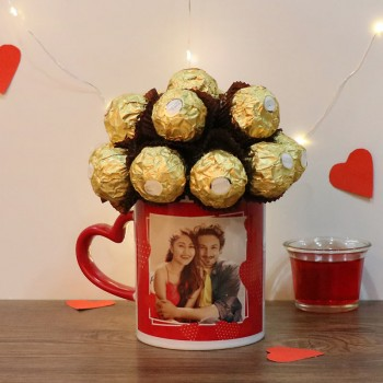 Arrangment of 16 pcs Ferrero Rocher in a Personalised Heart Handle Mug