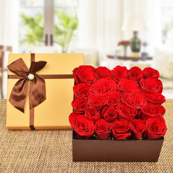 20 Red Roses In A Box