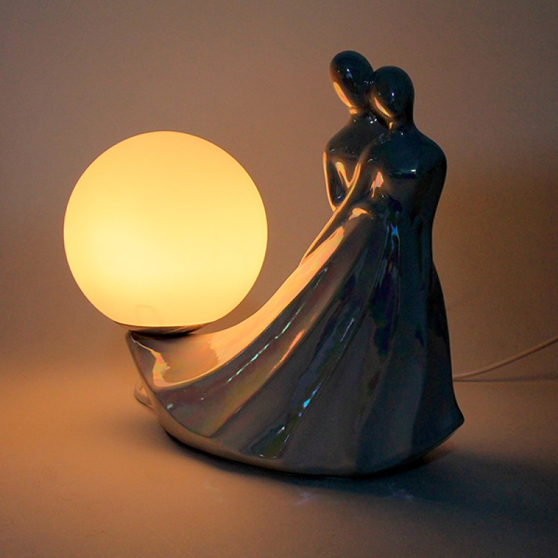 Elegant Love LED Figurine