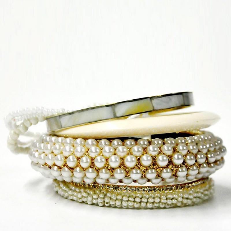 Pearl Display Bangle Set
