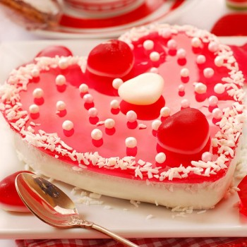 Half Kg Heart Shape Strawberry Jelly Cream Cake