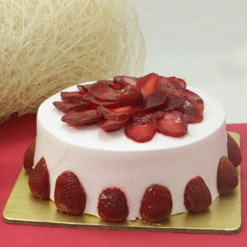 One Kg Strawberry Cake Relished with Fresh Strawberries