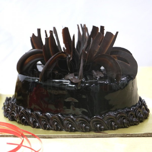 Eggless Truffle Cake For Mom