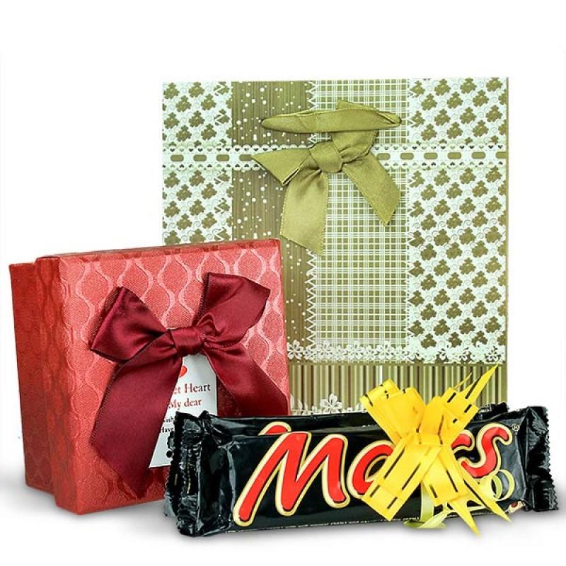 Scrumptious Chocolates Gift Hamper