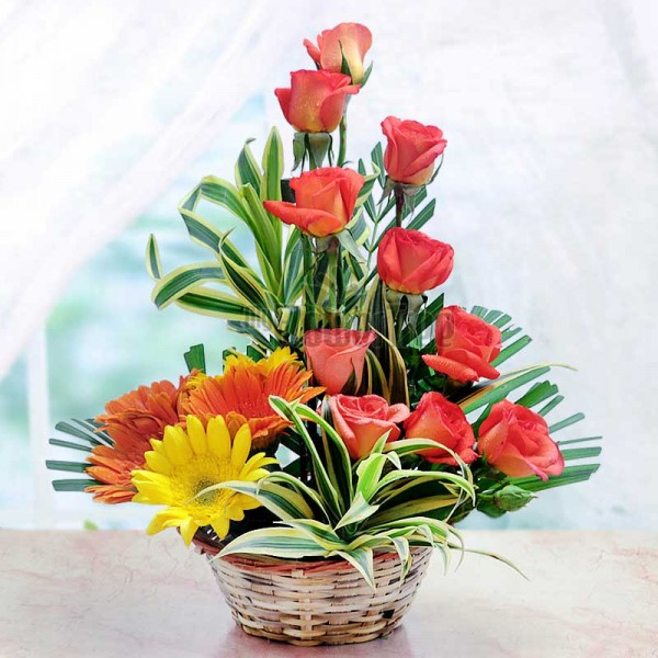 5 Assorted (3 Orange and 2 Yellow) Gerberas and 10 Orange Roses in Basket