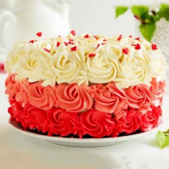 Half Kg Rose Designer Vanilla Cream Cake