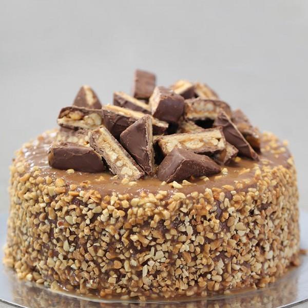 Half Kg Chocolate Snickers Cake