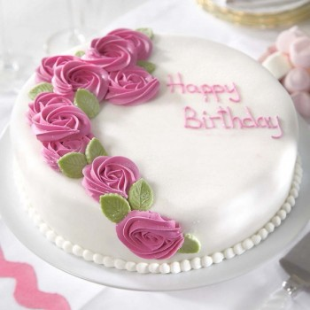 One Kg Strawberry and Vanilla Fondant Birthday Cake