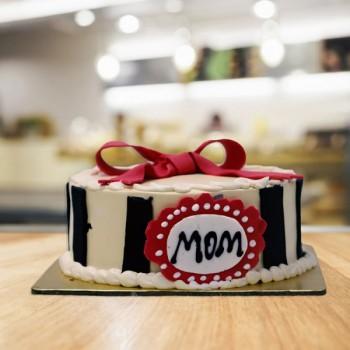 Half Kg Fondant Theme Vanilla Cake for Mom
