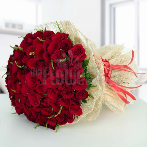 100 Red Roses with Jute Packing