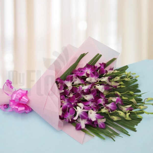 6 Purple Orchids with Arica Palm Leaves in Pink special paper