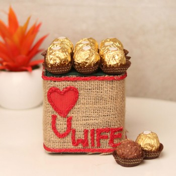 9 Ferrero Rocher arrangement in a glass vase for Wife