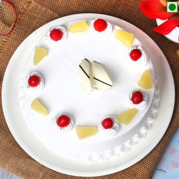Pineapple Half Kg Eggless Cake