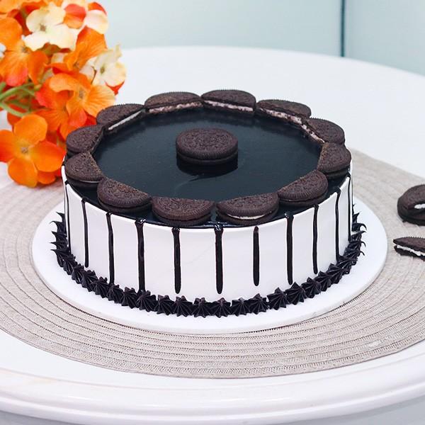 Oreo Vanilla Cream Cake Half Kg