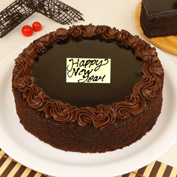Half Kg Chocolate Cream Cake for New Year