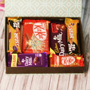 One MFT Chocolate Box of 4 Five Star (22.4 gm),2 Kitkat (13 gm),2 Dairy milk Fruit and nut,2 Kitkat (37gm),2 Dairy Milk Chocolate (13.2 gm)