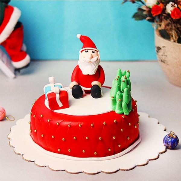 One Kg Vanilla Fondant Cake for Christmas