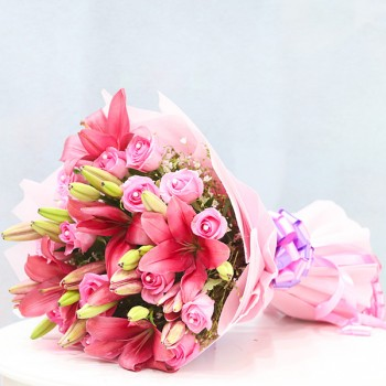 5 Pink Asiatic Lilies and 20 Pink Roses Arrangement in a Bouquet