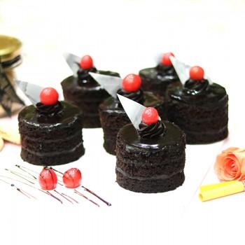 Set of 4 Chocolate Pastries