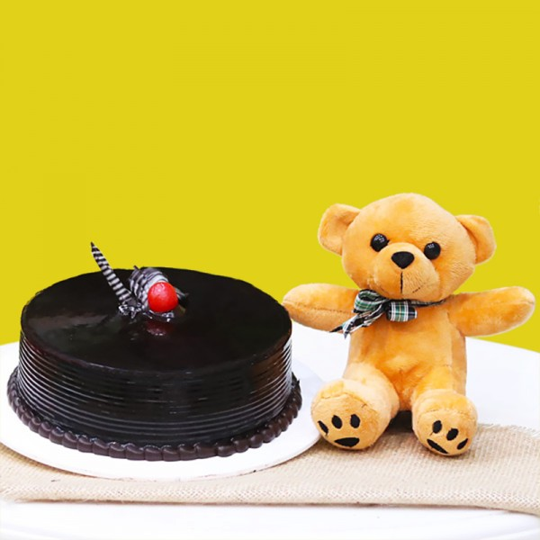 Half Kg Chocolate Cream Cake with Brown Teddy Bear (6 inches)