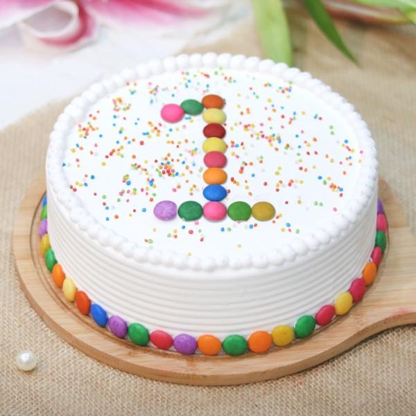 Half Kg Vanilla Cream Cake decorated with gems