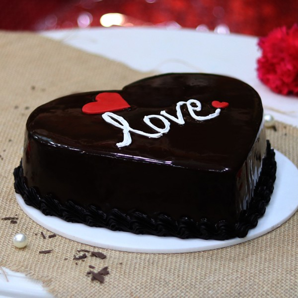 Half Kg Heart Shape Chocolate Cake