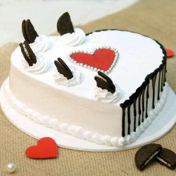 One Kg Heart Shape Vanilla Oreo Designer Cake