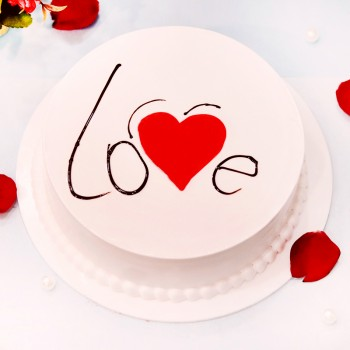 Half Kg Love Theme Designer Vanilla Cake