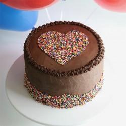 Mouthwatering Chocolate Cream Cake