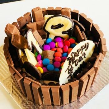 Half Kg Kitkat Gems Chocolate Cake