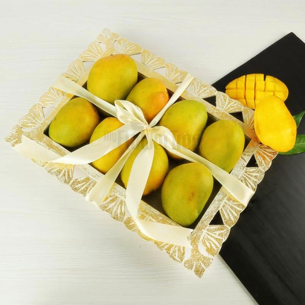A tray of 2 Kg Mangoes