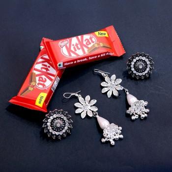 Hypnotic Jewels with Kit Kat