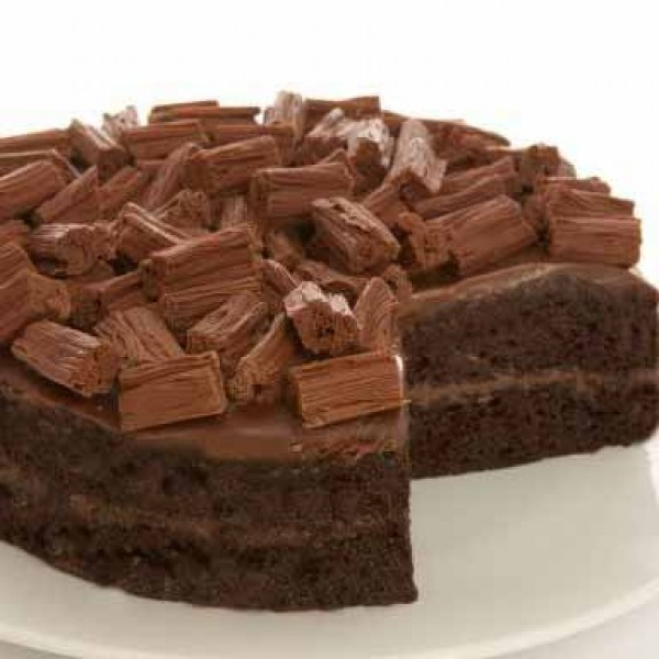 Flake Milk Chocolate Cake