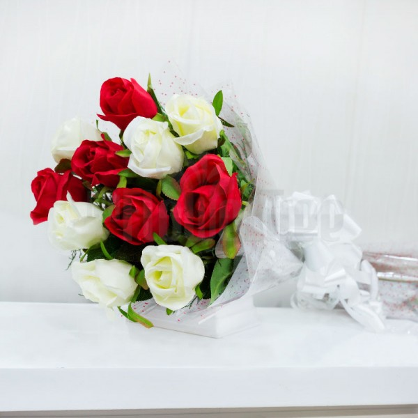 Bouquet of 12 Artificial White and Red Roses